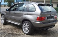 X5M E70 Sports Activity Vehicle with 22
